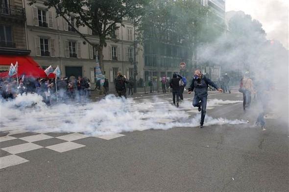 Paris'te eylemcilere sert müdahale galerisi resim 5