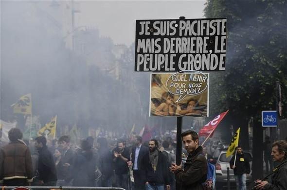 Paris'te eylemcilere sert müdahale galerisi resim 8