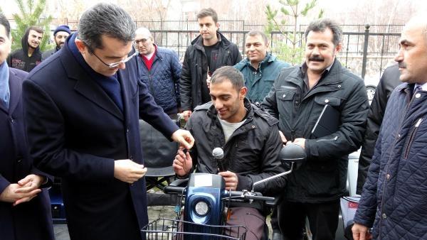 Gurbetçilerden Erzurum'a akülü araba galerisi resim 2