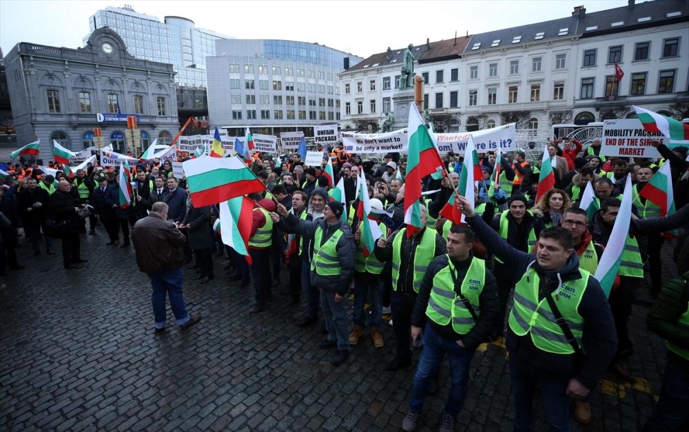 Brüksel'de taşımacılar sokaklarda galerisi resim 2