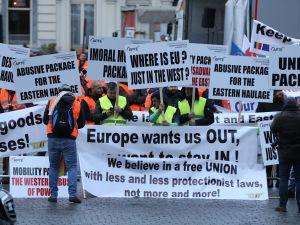 Brüksel'de taşımacılar sokaklarda
