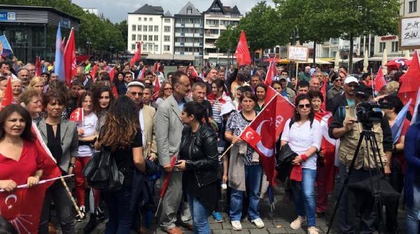 CHP'liler Köln'den Kılıçdaroğlu'na destek verdiler galerisi resim 6