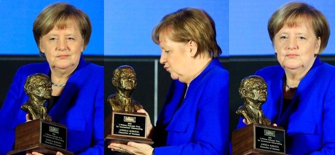 Merkel'e Fulbright Anlayış Ödülü galerisi resim 1