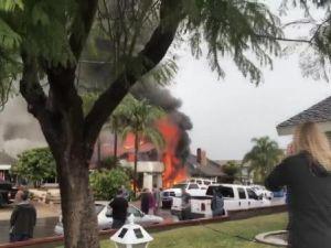 Uçak evin üzerine düştü: 5 ölü