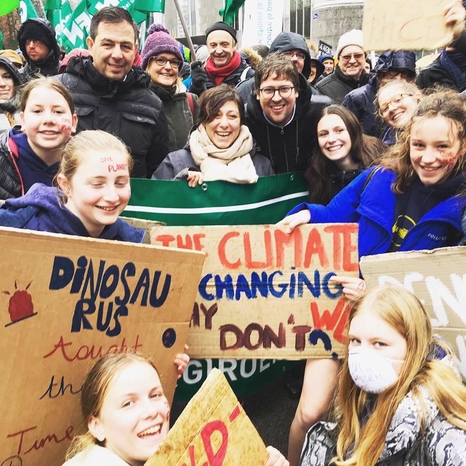 10 bin kişi iklim için yürüdü galerisi resim 1