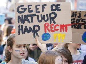 10 bin kişi iklim için yürüdü