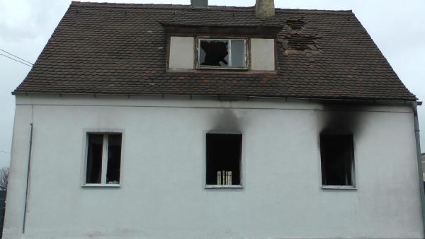 Almanya'da 5 kişilik aile yanarak can verdi galerisi resim 1