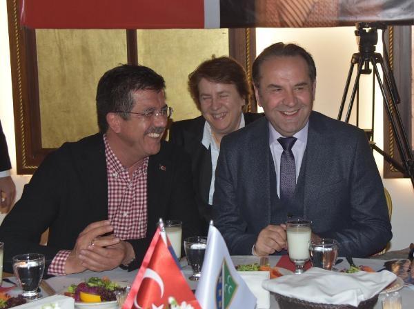 Sırp Bakan, Zeybekci için oy istedi galerisi resim 1
