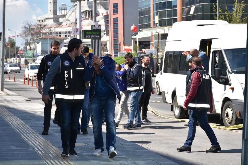 Gurbetçileri dolandıran kamu çalışanları yakalandı galerisi resim 1