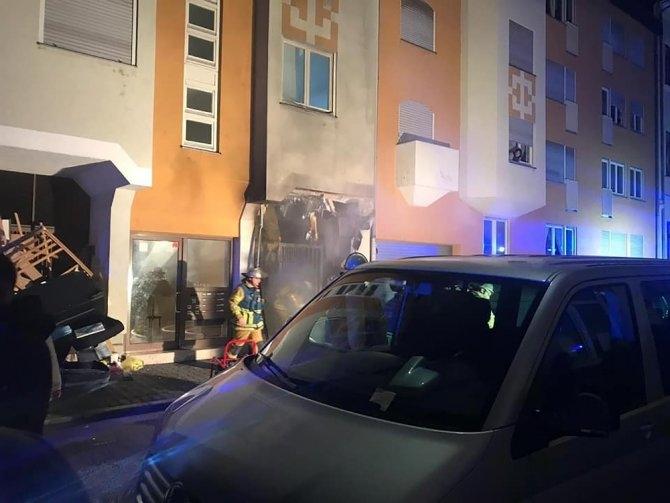 Almanya'da Türklerin oturduğu binada yangın galerisi resim 1