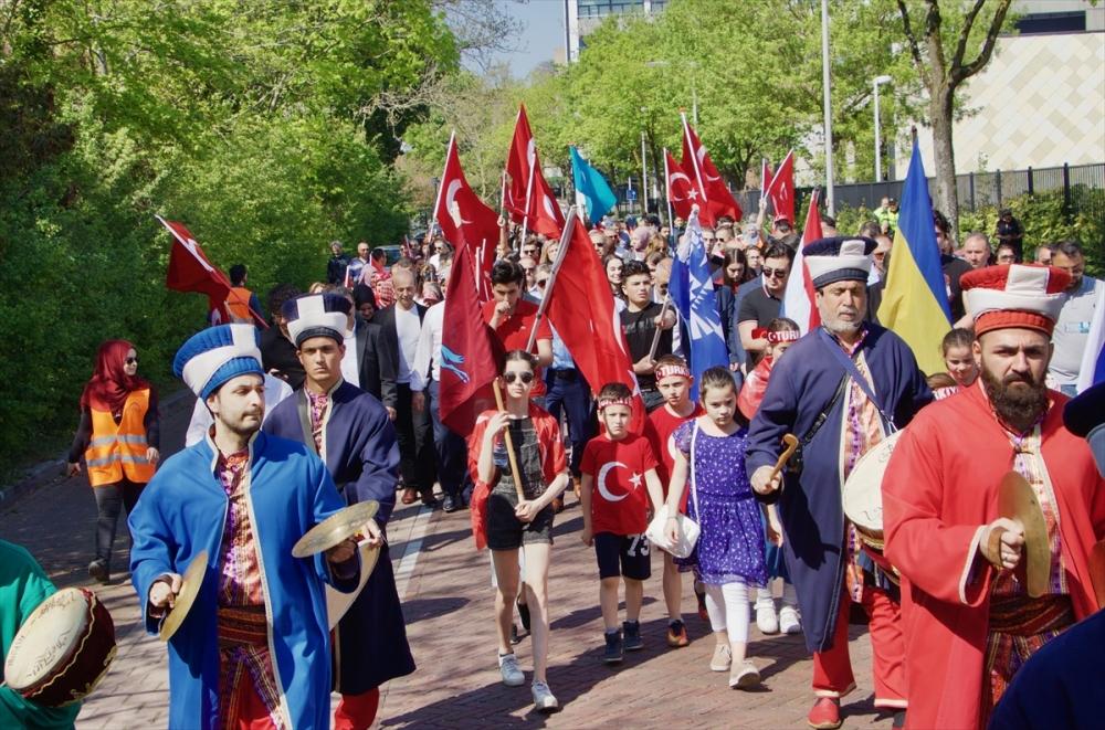 Hollanda'da 10. Türk Günü Yürüyüşü galerisi resim 1
