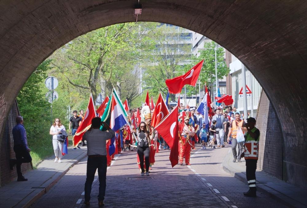 Hollanda'da 10. Türk Günü Yürüyüşü galerisi resim 2