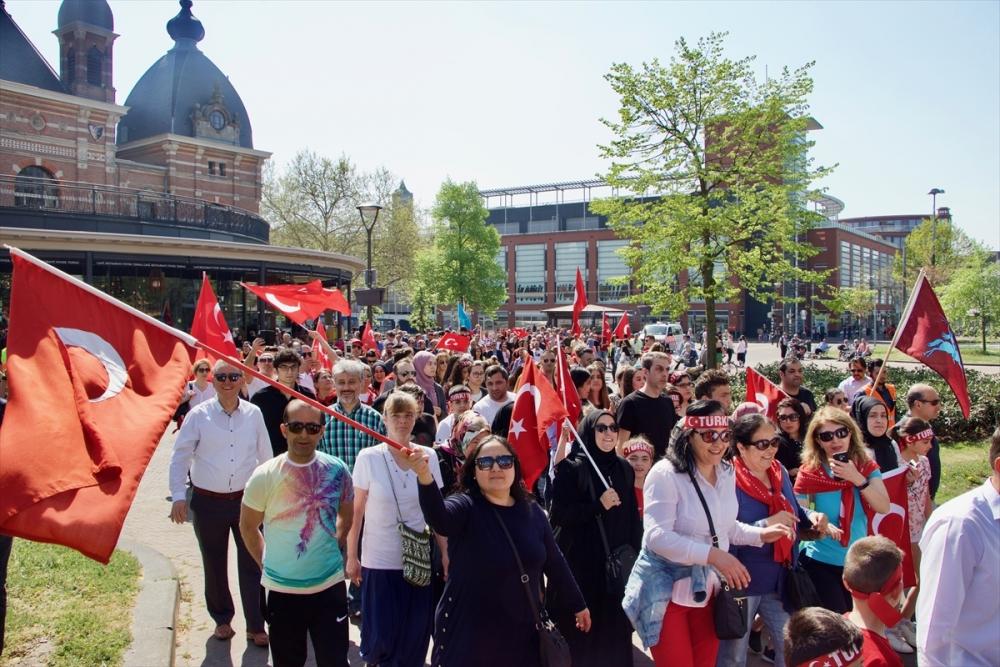 Hollanda'da 10. Türk Günü Yürüyüşü galerisi resim 3