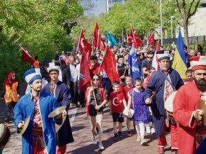 Hollanda'da 10. Türk Günü Yürüyüşü
