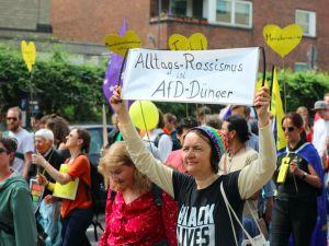 Almanya'da ırkçı karşıtı gösteri