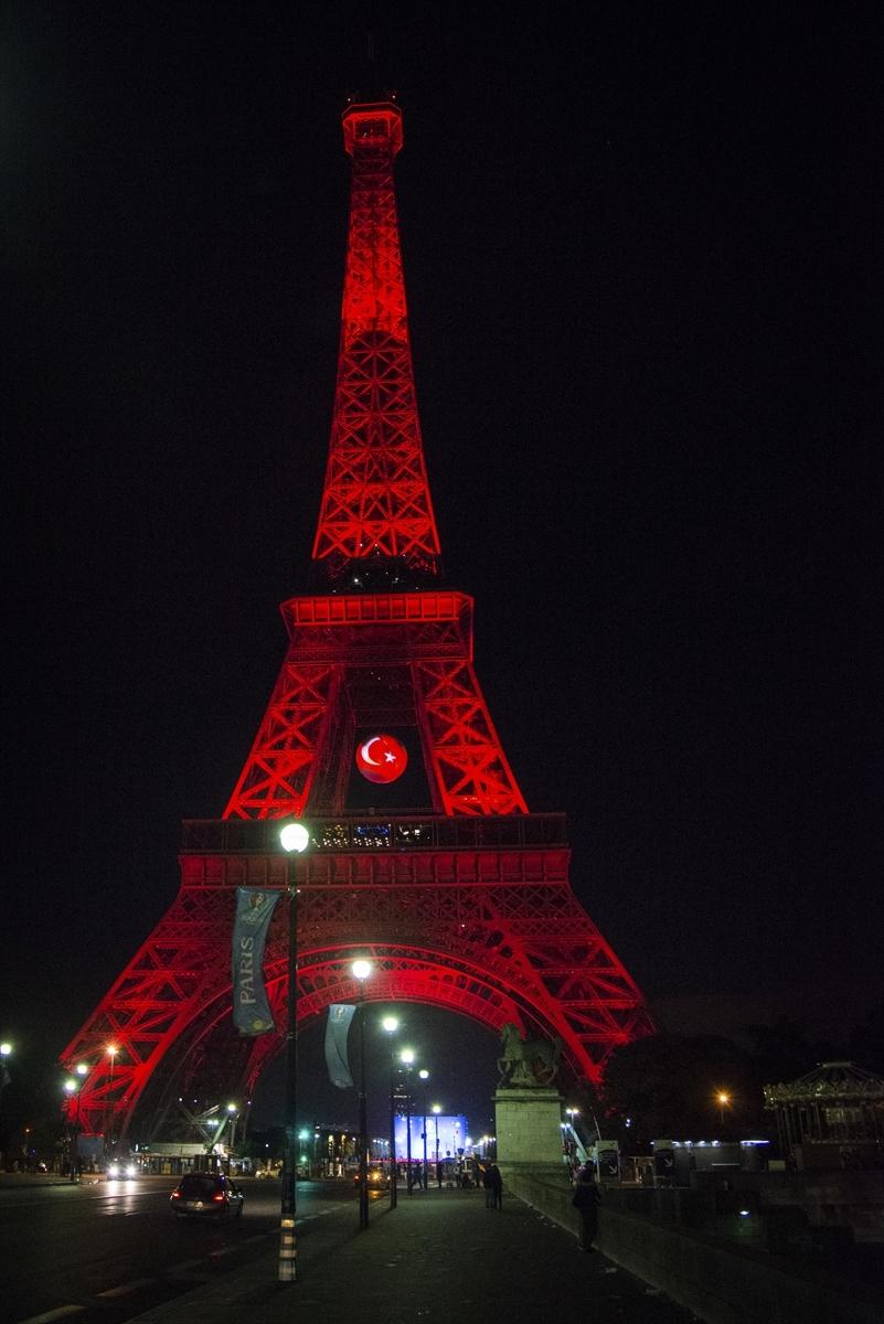 Eyfel Kulesi kırmızı beyaz galerisi resim 3