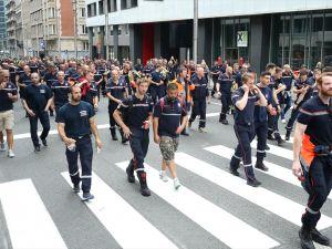 İtfaiyeciler greve gitti