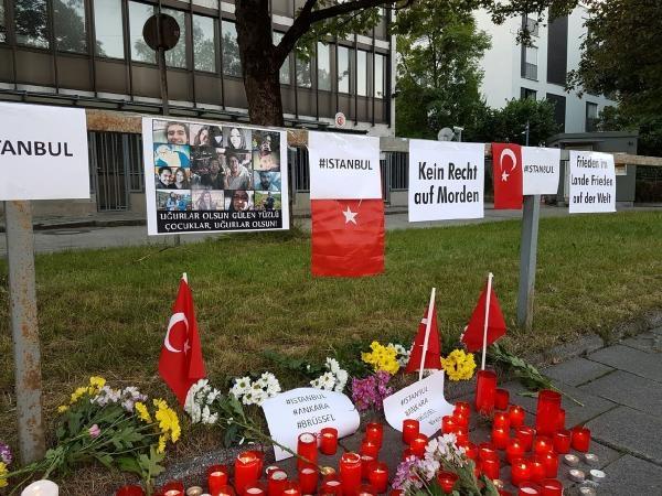 Münih'te İstanbul'daki terör saldırısı protesto edildi galerisi resim 1