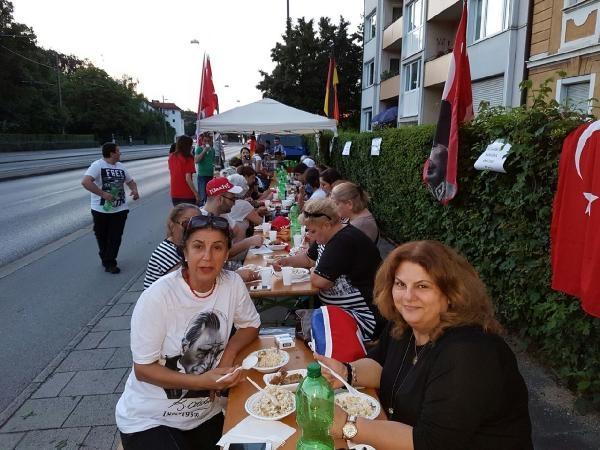 Münih'te İstanbul'daki terör saldırısı protesto edildi galerisi resim 3