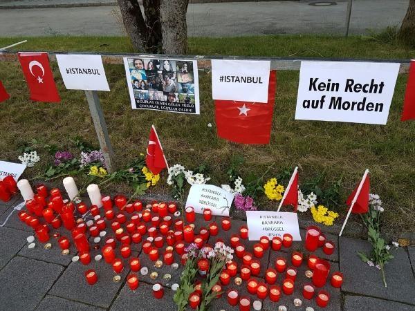 Münih'te İstanbul'daki terör saldırısı protesto edildi galerisi resim 6