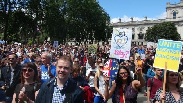 Londra: AB'den ayrılmak istemiyoruz galerisi resim 2
