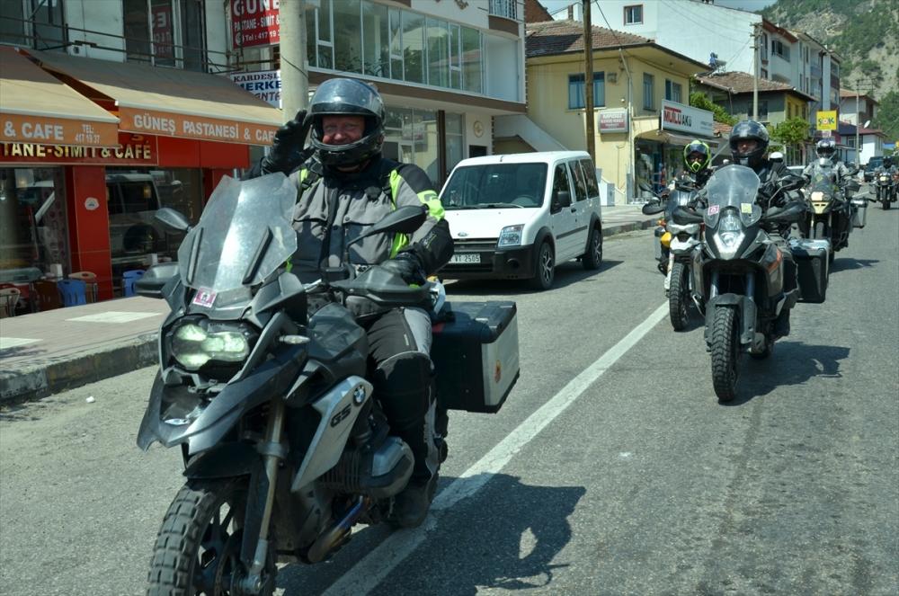 Almanya'dan Çin'e motosikletle gidiyorlar galerisi resim 1