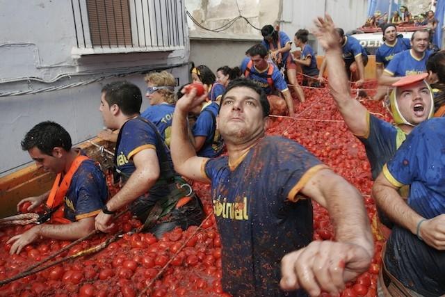 İspanya'da domates savaşı başladı galerisi resim 1