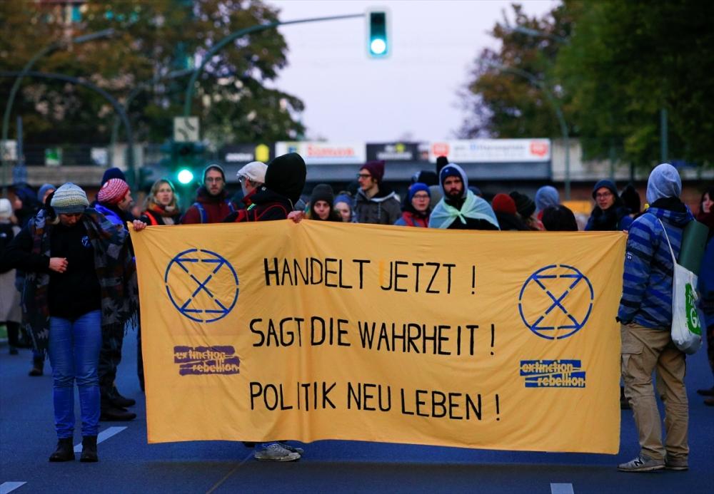 Çevreciler, Alman hükümetini protesto etti galerisi resim 12