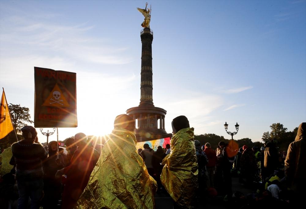 Çevreciler, Alman hükümetini protesto etti galerisi resim 18