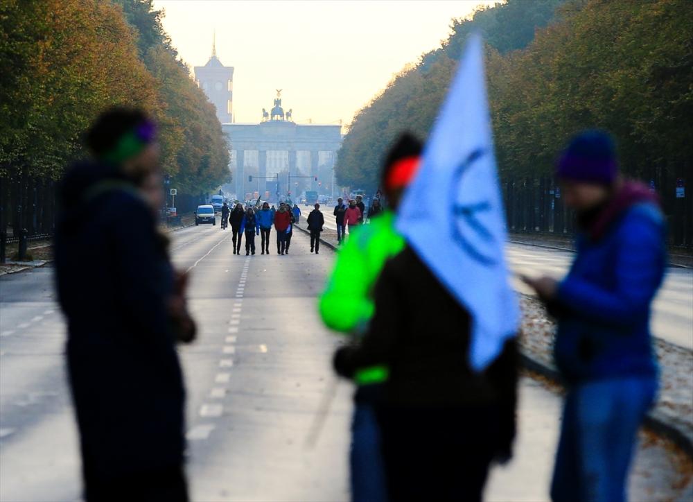 Çevreciler, Alman hükümetini protesto etti galerisi resim 19
