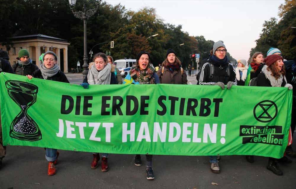 Çevreciler, Alman hükümetini protesto etti galerisi resim 26