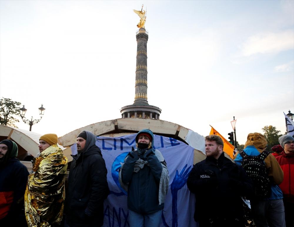 Çevreciler, Alman hükümetini protesto etti galerisi resim 4