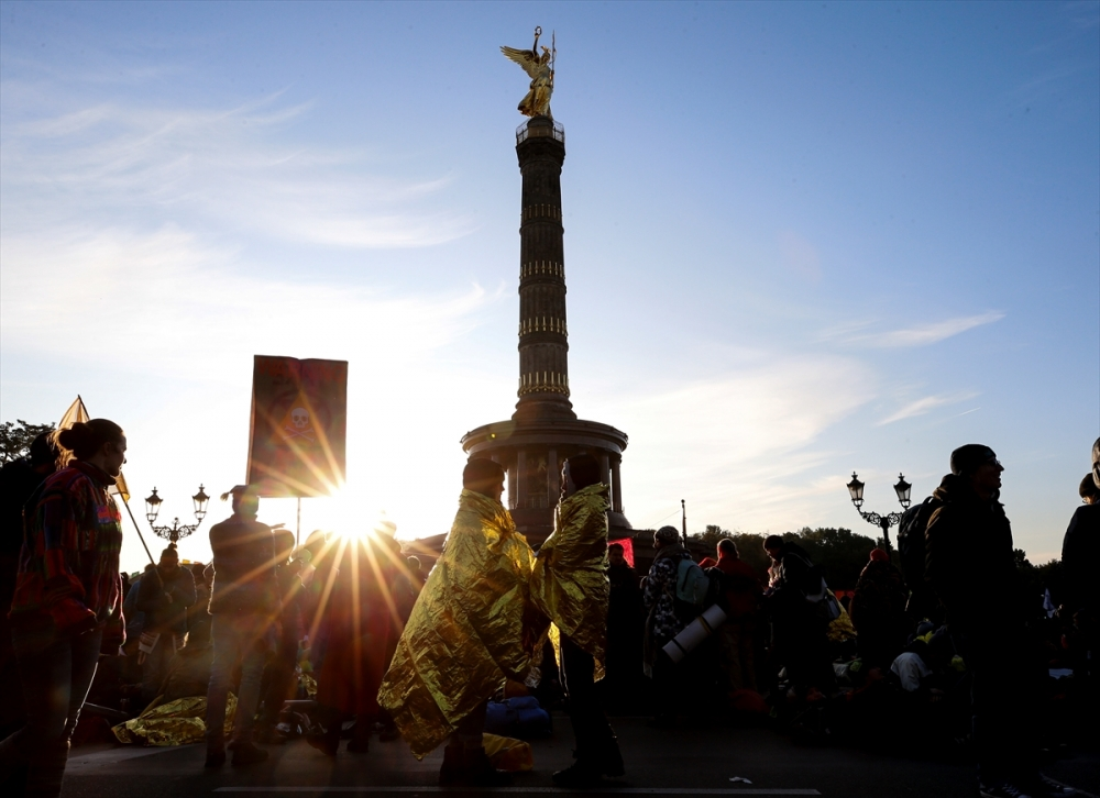 Çevreciler, Alman hükümetini protesto etti galerisi resim 6