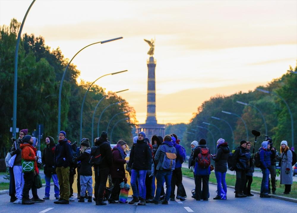 Çevreciler, Alman hükümetini protesto etti galerisi resim 7