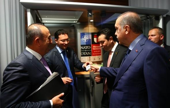 Erdoğan, Bulgar bakana sigarayı bıraktırdı galerisi resim 2