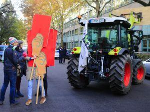 Çiftçilerden Alman hükümetine dava