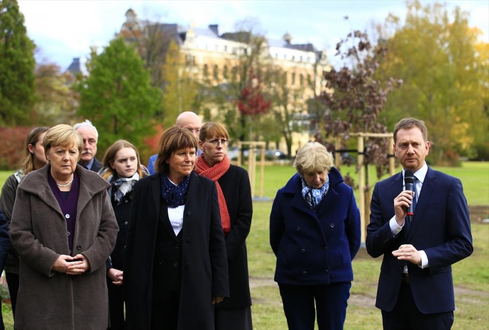 Merkel'den NSU kurbanları anıt parkına ziyaret galerisi resim 18