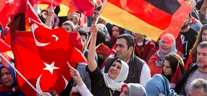 'Almanya'da en çok Türkler ayrımcılığa uğruyor'