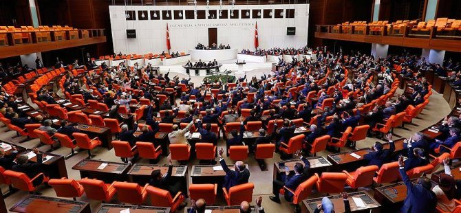 Anayasa değişikliği teklifinin birinci maddesi kabul edildi