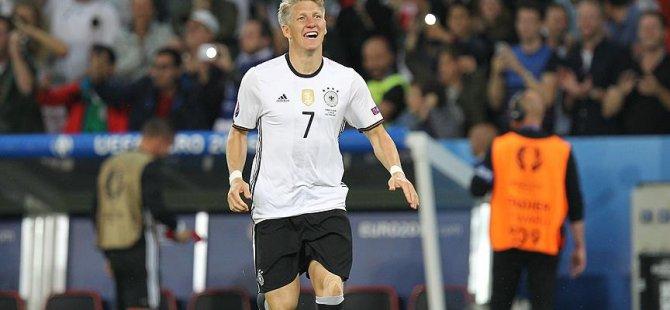Schweinsteiger futbolu bıraktı