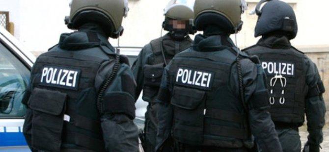 Frankfurt'ta polis şiddetine tepki