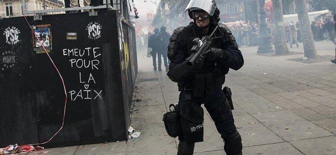 Fransa'da polisin plastik bomba kullanımına kısıtlama