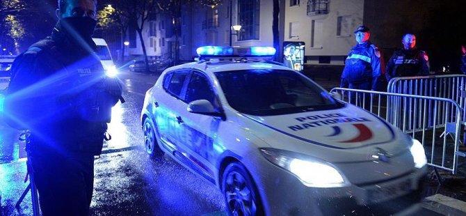 Paris Büyükelçiliği'ne bombalı saldırı
