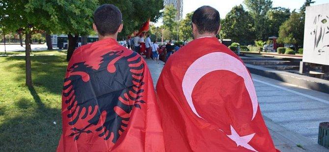 FETÖ okullarına Türk bayrağı indirildi