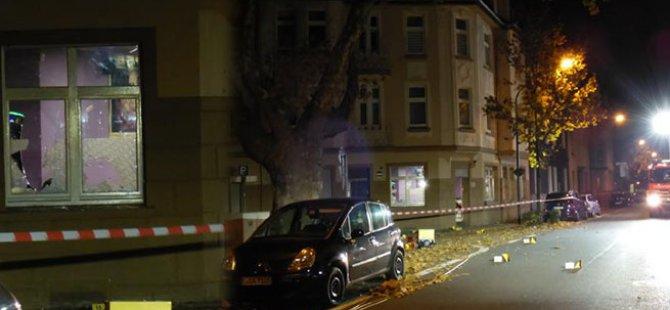 Almanya'da Türk iş yerine molotof atanlar yakalandı