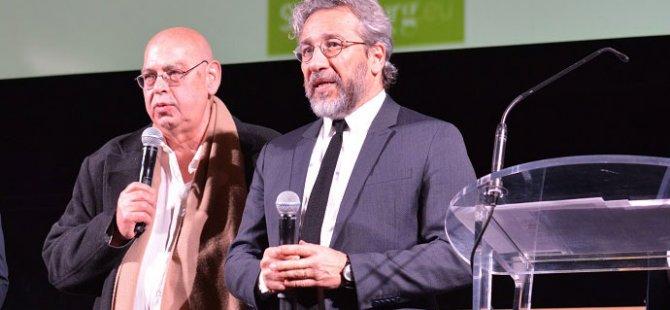 Paris'ten Can Dündar'a fahri hemşerilik ödülü