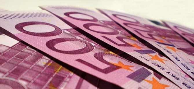 500 avroluk banknotlar tuvaleti tıkadı