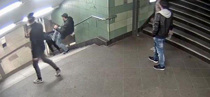 Almanya, Berlin'deki kadına tekmeli saldırıyı konuşuyor