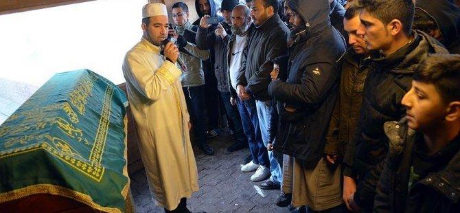 Almanya'da öldürülen Suriyeli son yolculuğuna uğurlandı