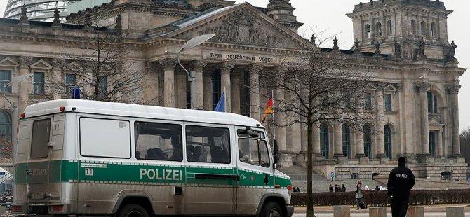 Almanya'da 3 RAF teröristi aranıyor